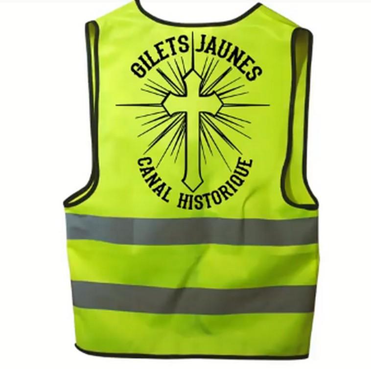 Dieudonné place les gilets jaunes sous la bannière du Christ Arton54071