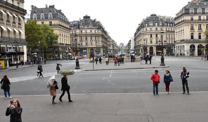 Hidalgo veut que Paris soit une ville quasi piétonne en 2022