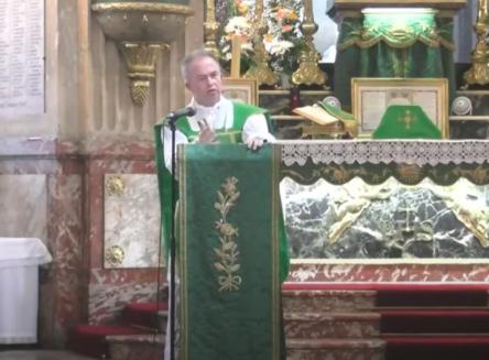 L'abbé Toulza met en garde les catholiques contre (a)Valeurs actuelles et Zemmour