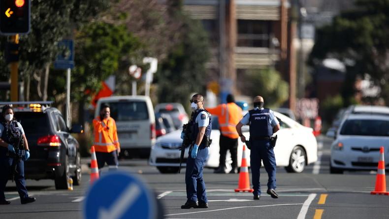 Attaque « terroriste » en Nouvelle-Zélande, pays à l'avant-garde du covidisme…