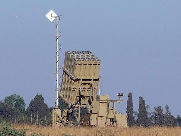 Les États-Unis pourraient transférer deux systèmes israéliens de défense aérienne « Iron Dome » à l'Ukraine
