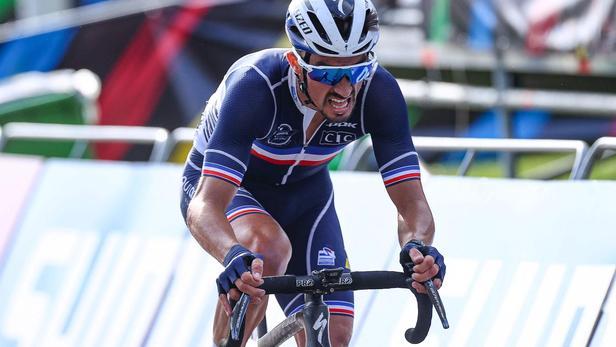 Cyclisme : le Français Julian Alaphilippe conserve son titre de champion du monde