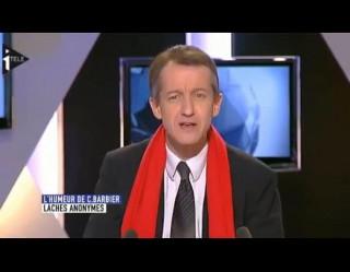 70f81844811 Barbier et son écharpe défient les   Anonymous   - Egalite et ...