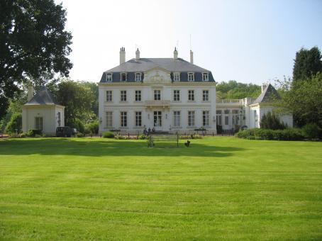 Chateau-de-Montreul-Federation-oeuvres-sociales-PTT-29c27 dans La une