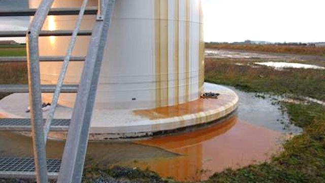 Saint-Brieuc : Une nappe d'huile de 16 km sur le chantier du parc éolien offshore