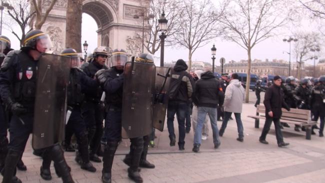 20130324-police-civils-01-norm-00001733-png-dintrl-1-720-6b8b6