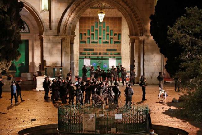 Jérusalem : plus de 180 manifestants palestiniens blessés dans les heurts sur l'esplanade des Mosquées
